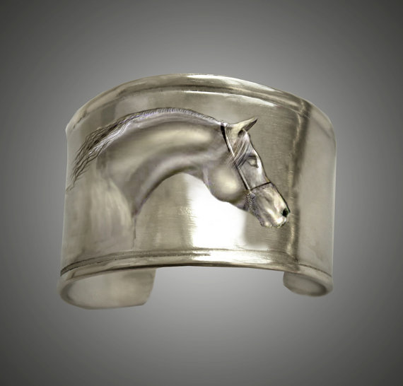 Arabian horse head pewter cuff bracelet makes a great horse jewelry gift.