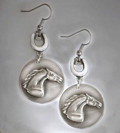 Pewter horse head with horseshoes earrings.