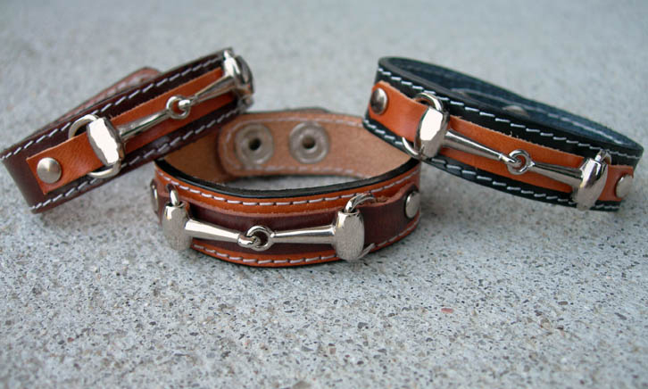 Shinny silver snaffle bit leather cuff bracelet.